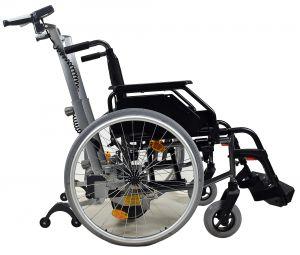Viamobil V25 Firma Ulrich Alber mit Rollstuhl