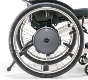 E-Motion M25 Alber mit Rollstuhl