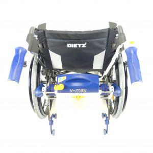 V-MAX Firma AAT mit Rollstuhl